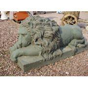 Скульптура Льва фото