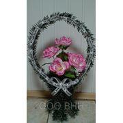 Ритуальная корзина из роз фото