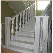 Лестницы из природного камня фото