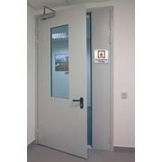 Дверь металлическая противопожарная с остеклением фото