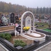 Памятник под заказ из мрамора фото