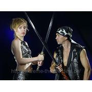 Японское шоу. Экстремальное шоу с острыми, как бритва, японскими мечами. головокружительные трюки! фото