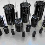 Конденсатор 100 В - 100 мкФ фото