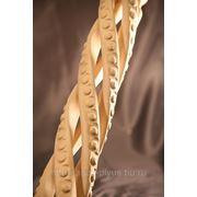 Балясины резные в виде спирали в ассортименте из различных пород дерева (бук, дуб, ясень, кедр, сосна) фото