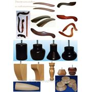 Точеные и декоративные элементы для производства мебели из бука и дуба. фото