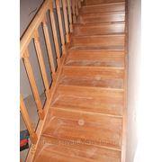 Лестница с площадкой, бук фото