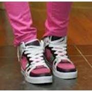 Обувь спортивная женская фотография