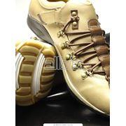 Одежда и обувь. Обувь женская мужская спортивная. Обувь повседневная. Обувь повседневная мужская. фото