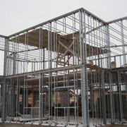 Металлические каркасы административных зданий фото