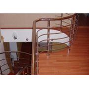 Деревянные лестницы на больцах фото