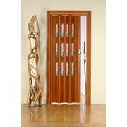Дверь гармошка Лучана вишня.Остекление витраж 09. фото