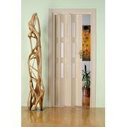 Дверь гармошка Лучана выбеленный дуб.Остекление Морозко кристалл. фото
