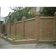 Кирпич заборный декоративный фото