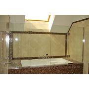 Стеклянные перегородки (шторки) для душевой и ванной фото