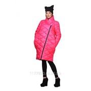 Женская модная розовая куртка-пуховик на зиму фото