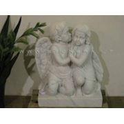 Скульптуры ангелов из натурального камня фото