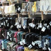 Подкладочные ткани разных видов и цветов. фото