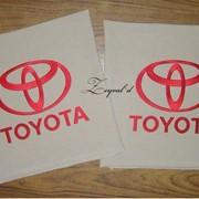 Вышивка лейб и фирменных знаков на деталях оформления автомобиля фото