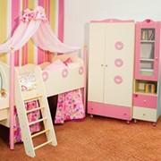 Мебель для детских комнат розовая фото