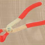 Щипцы для снятия высоковольтных проводов КА-7011