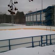 Монтаж хоккейной коробки на бетонные подушки фото