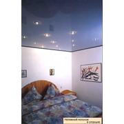 Потолок натяжной в спальне GLANZ