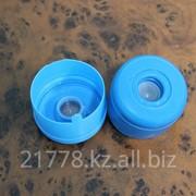 Двукомпонентные крышки на 19 литровые бутыли фото