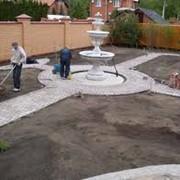 Земельные работы в саду фото