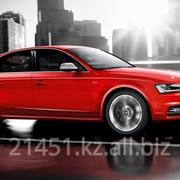 Автомобиль Audi S4 фото