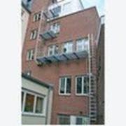 Настенная лестница 16.10 м из алюминия анодированного KRAUSE 813732 фото