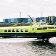 Пассажирский теплоход ЕВРОФОЙЛ на подводных крыльях с кормовым расположением энергетической установки и носовым подруливающим устройством фото