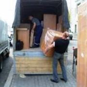 Перевозка мебели, грузчики. фото