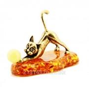 Сувенир Кошечка Игривая На подставке фото