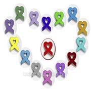 Значок- символ солидарности в борьбе с ВИЧ фото
