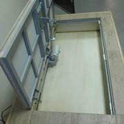 Напольный потайной ревизионный люк 60х60 с электроприводом фото