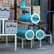 Установка обеззараживания воды Пламя 2 - 80 работает по принципу электролиза раствора хлористого натрия в трех электролизерах. Образующийся в процессе электролиза гипохлорит натрия непрерывно дозируется в обрабатываемую воду