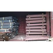 Столб стальной диам.51 мм. высота - 2,3м с крючками и заглушками с грунтовым покрытием фото