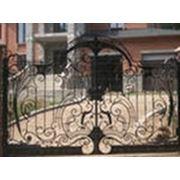 Ворота металлические кованные. фото