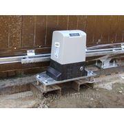 Комплект привода DoorHan Sliding-800 для откатных ворот: привод, зубчатая рейка, пульт д/у. фото