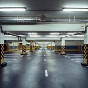 Нанесение вертикальной разметки на подземный автопарковках фото