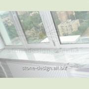 Белый мраморный подоконник с подклейкой. Материал: Бьянко Каррара (Италия) фото