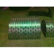 Напольные стальные полукруглые воздуховоды. фото