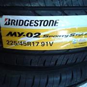 Высокачественные спортивные шины BRIDGESTONE 225/45R17 91V MY02 SPORTY STYLE фото
