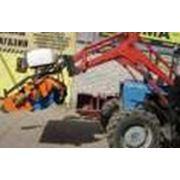 Щетка с баком для полива объемом 500л. для Трактора «Беларус» 82.1 фото