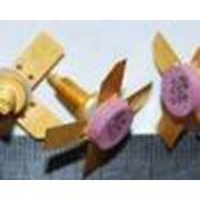 Транзисторы в круглых плоских металлических пластмассовых корпусах силовые транзисторы. Импортные микросхемы и транзисторы в керамических планарных DIP и круглых корпусах. Индикаторы АЛС(3ЛС)321324333338светодиоды