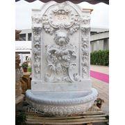 Пристенный фонтан фото