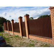 Услуги по строительству ограждений оград заборов фото