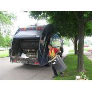 Сбор мусора и вывоз на свалку фото