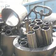 Отходы и обрезки пластиковых труб фото