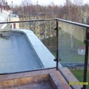 Ограждения любых видов для балконов, лестниц, бассейнов из стекла, металла, дерева, алюминия, нержавейки фото